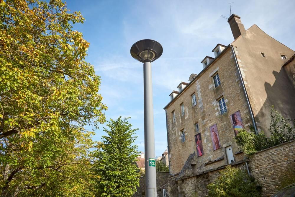 Avec le SDEY, Vézelay rénove son parc Eclairage Public et isole ses bâtiments